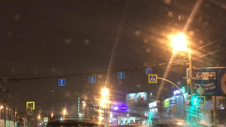 Привыкайте ездить зигзагом: на ключевых перекрёстках Челябинска запретили левый поворот