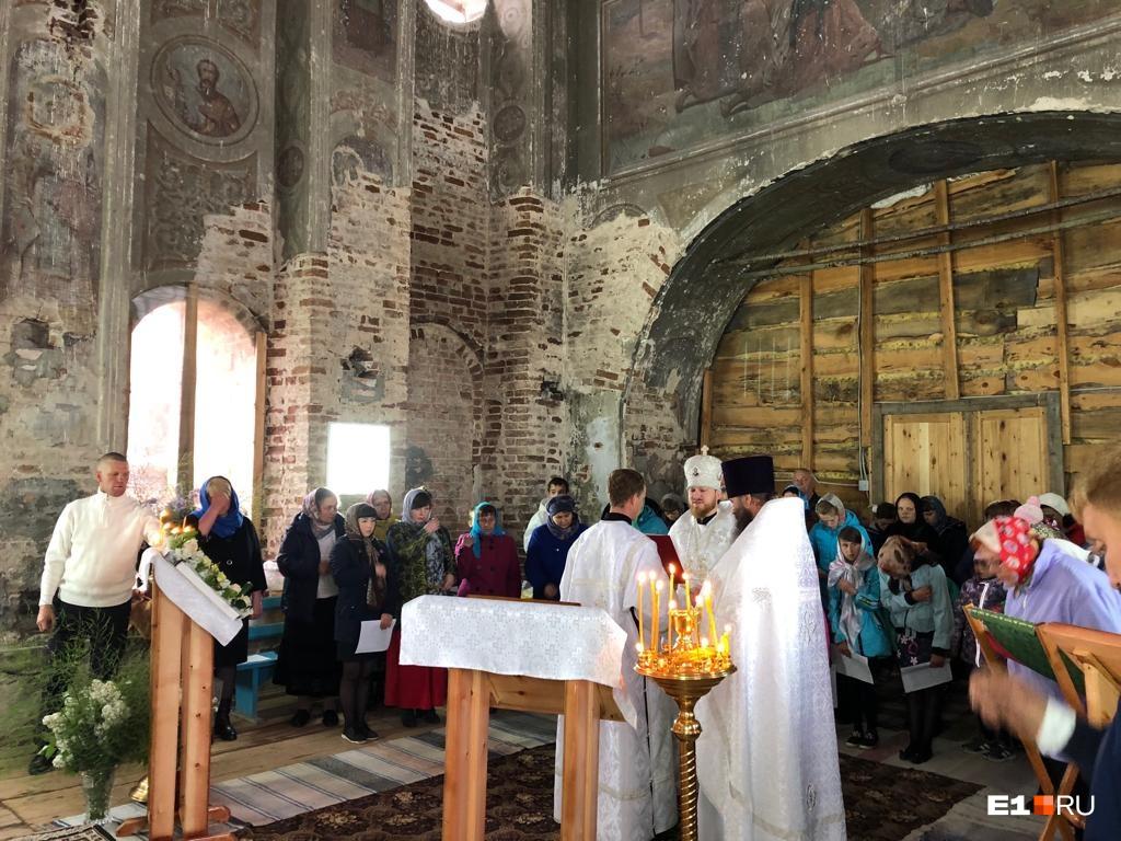 Местные жители надеются, что после восстановления церкви службы в ней будут проходить регулярно, а сам храм перейдет в ведение епархии