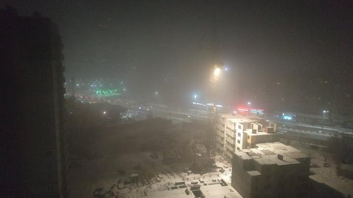 «Я задыхаюсь...»: показываем самые жуткие кадры дымки в Красноярске