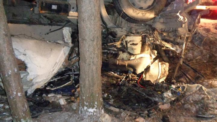 Смертельная авария на трассе в Башкирии: водитель большегруза улетел в кювет