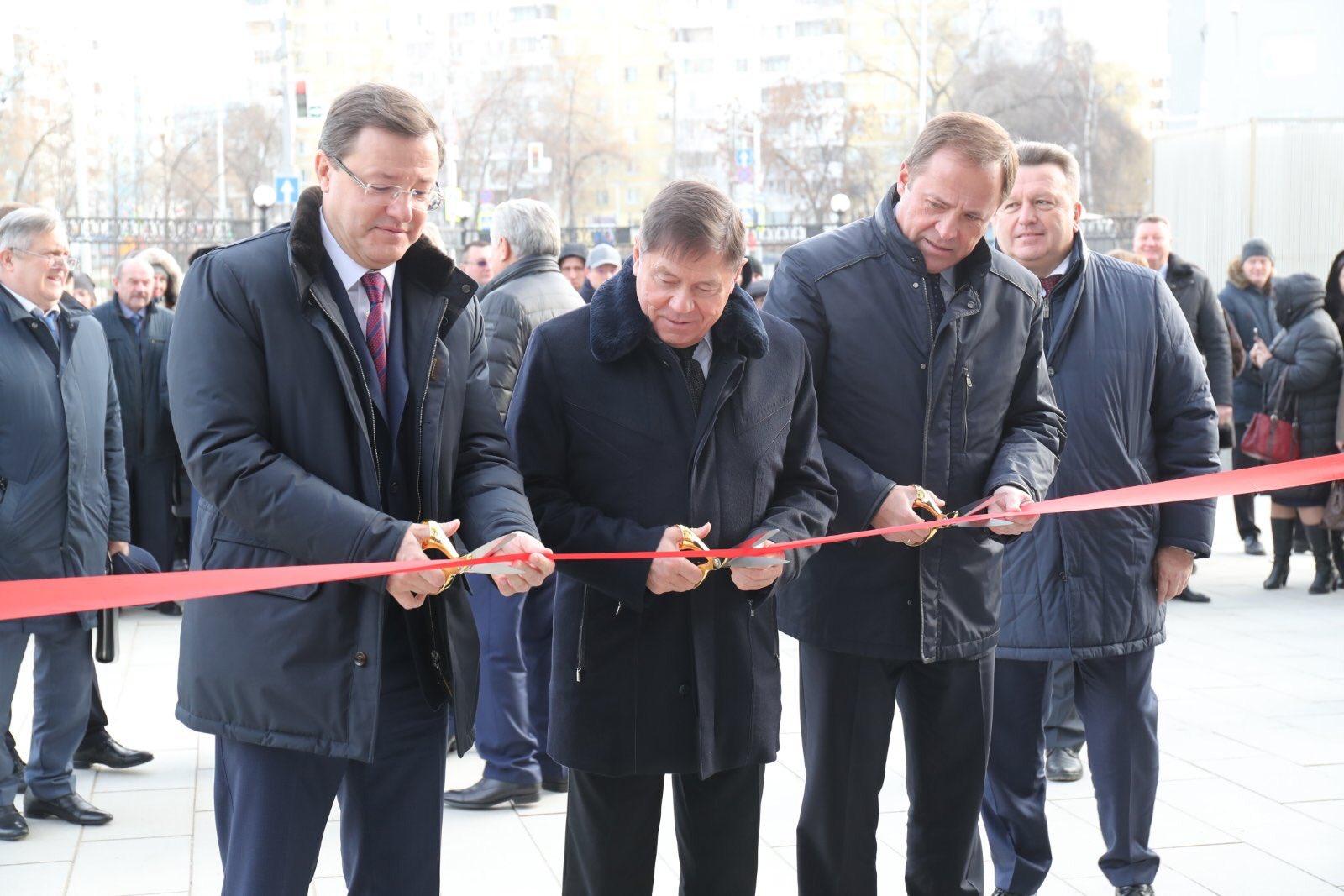 Слева направо: губернатор Дмитрий Азаров, Вячеслав Лебедев, полпред президента в ПФО Игорь Комаров