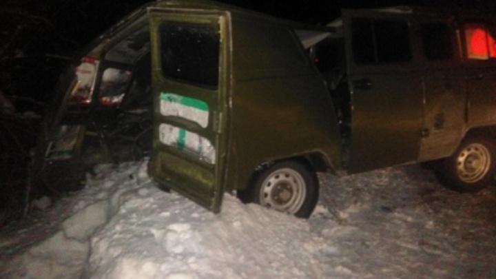 В Прикамье фургон УАЗ столкнулся с автобусом: погиб 66-летний пассажир