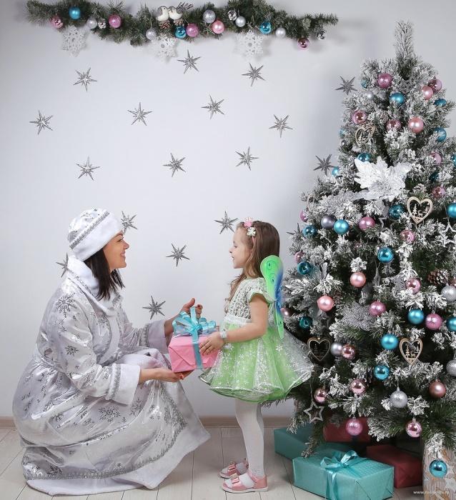 Организатор Главной Ёлки Сибири Наталья Мамонтова с дочкой