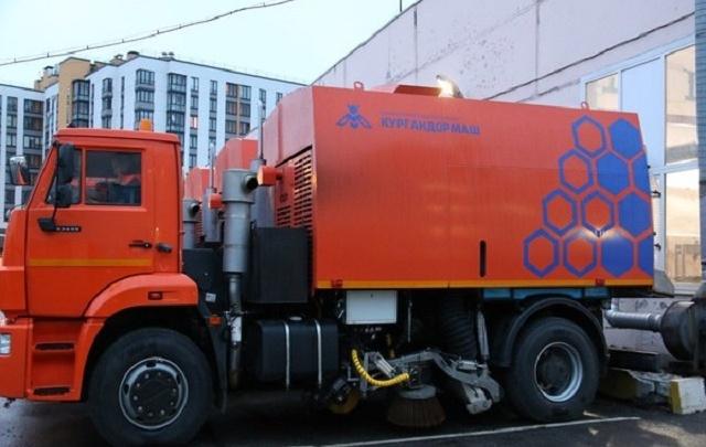 Улицы Санкт-Петербурга будут убирать курганские пылесосы