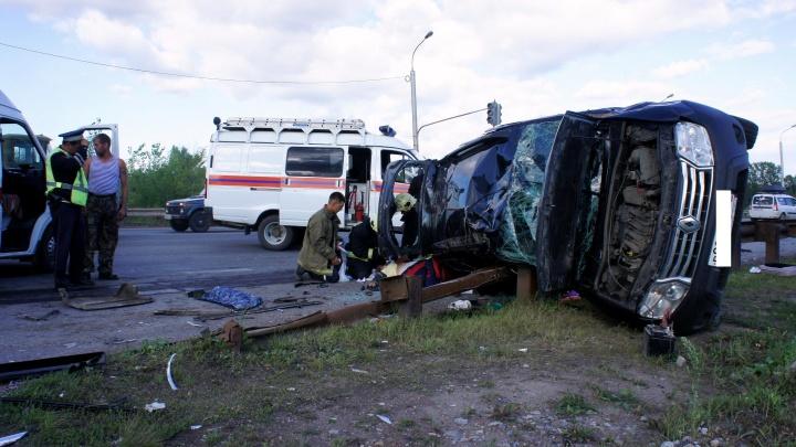 В массовой аварии в Уфе разбилась семья: погибла многодетная мама, пострадал ребенок