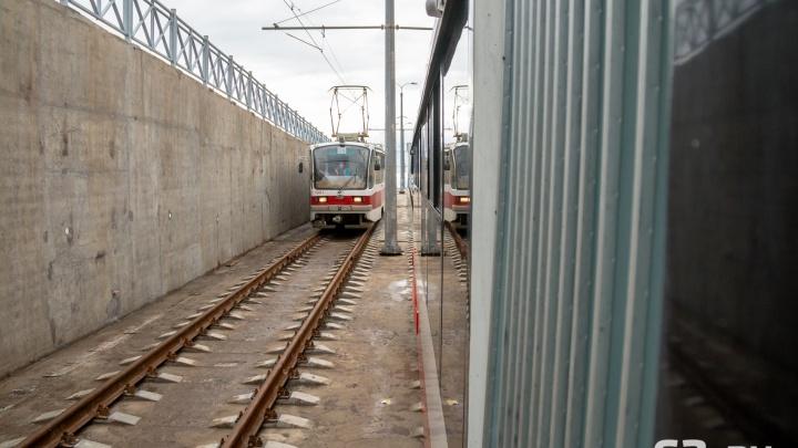 «Перевозят только болельщиков»: в трамвайную ветку до «Самара Арены» вложили 1,2 миллиарда рублей