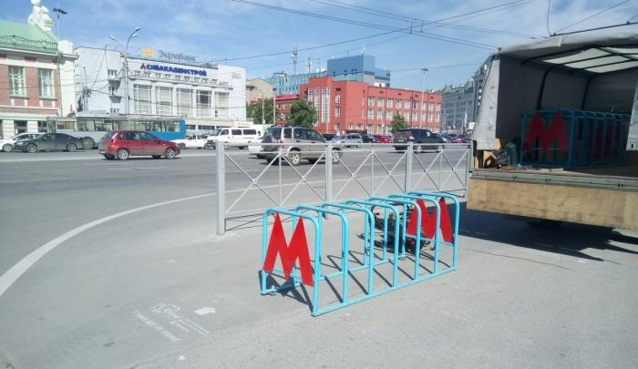 Конструкции для парковки велосипедов устанавливают ежегодно