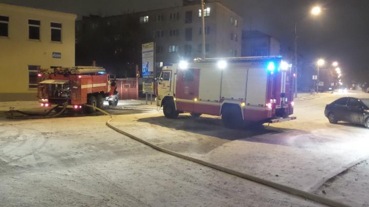 Надышался дымом: во время пожара в бане в Верхней Пышме погиб мужчина