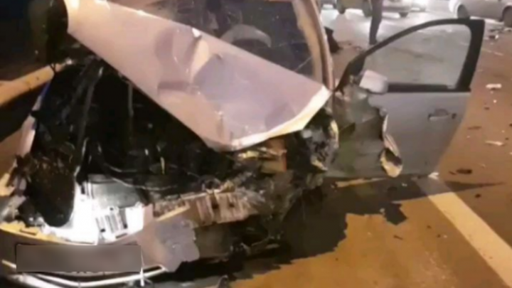 В массовой аварии под Ростовом пострадали четыре человека, в том числе двое детей