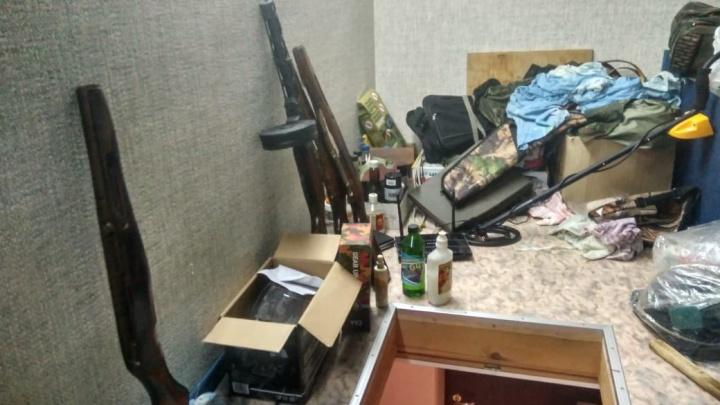 Изъяты автоматы и пулеметы: ФСБ задержала екатеринбуржца, создавшего мастерскую по переделке оружия