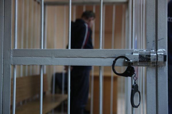 Железнодорожный районный суд Новосибирска приговорил мужчину к колонии строгого режима