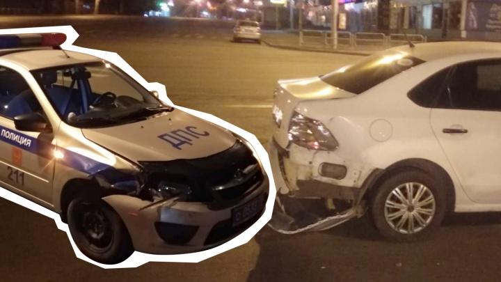 «Они неслись под сотню»: в Челябинске оштрафовали водителя иномарки, в которую врезалась машина ДПС
