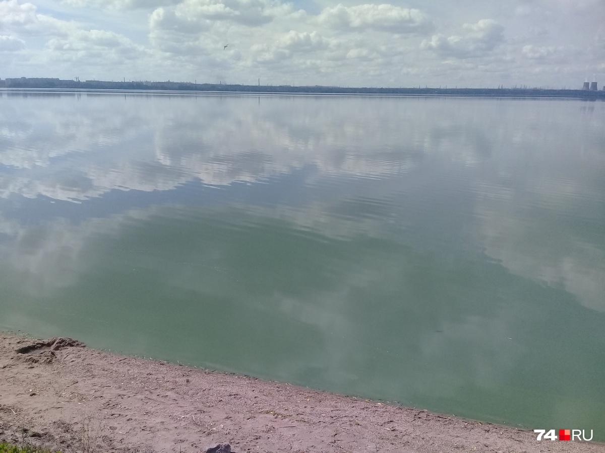 Этим летом Первое озеро попало в «запретный перечень» чиновников — купаться там нельзя