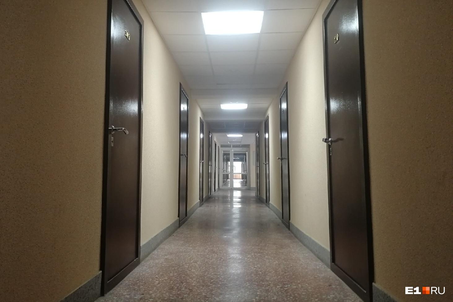 При этом коридоры там выглядят так