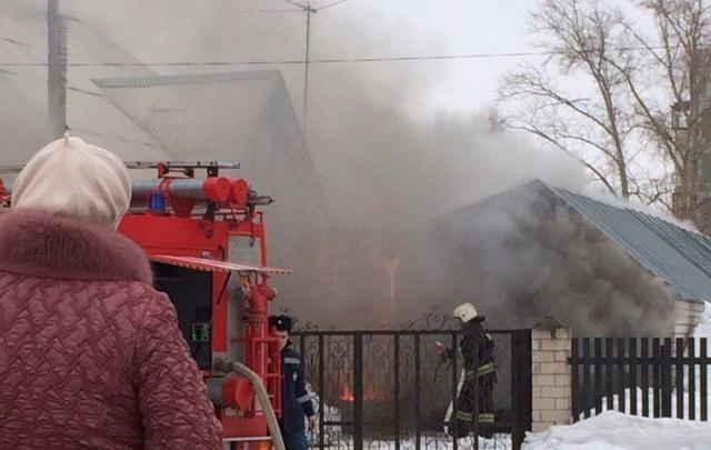 В Башкирии горело здание рядом с моргом