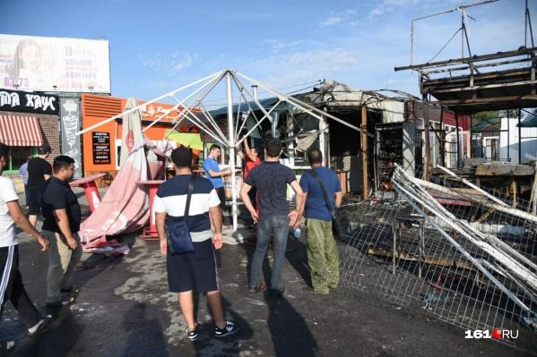 По словам очевидцев, на момент пожара в палатках никого не было