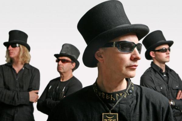 27 января в Перми выступит группа «Пикник». Она представит новую программу «Левитация». Музыканты предложат публике отправиться в полет. Но не на Марс и даже не к Солнцу, а в музыкальный