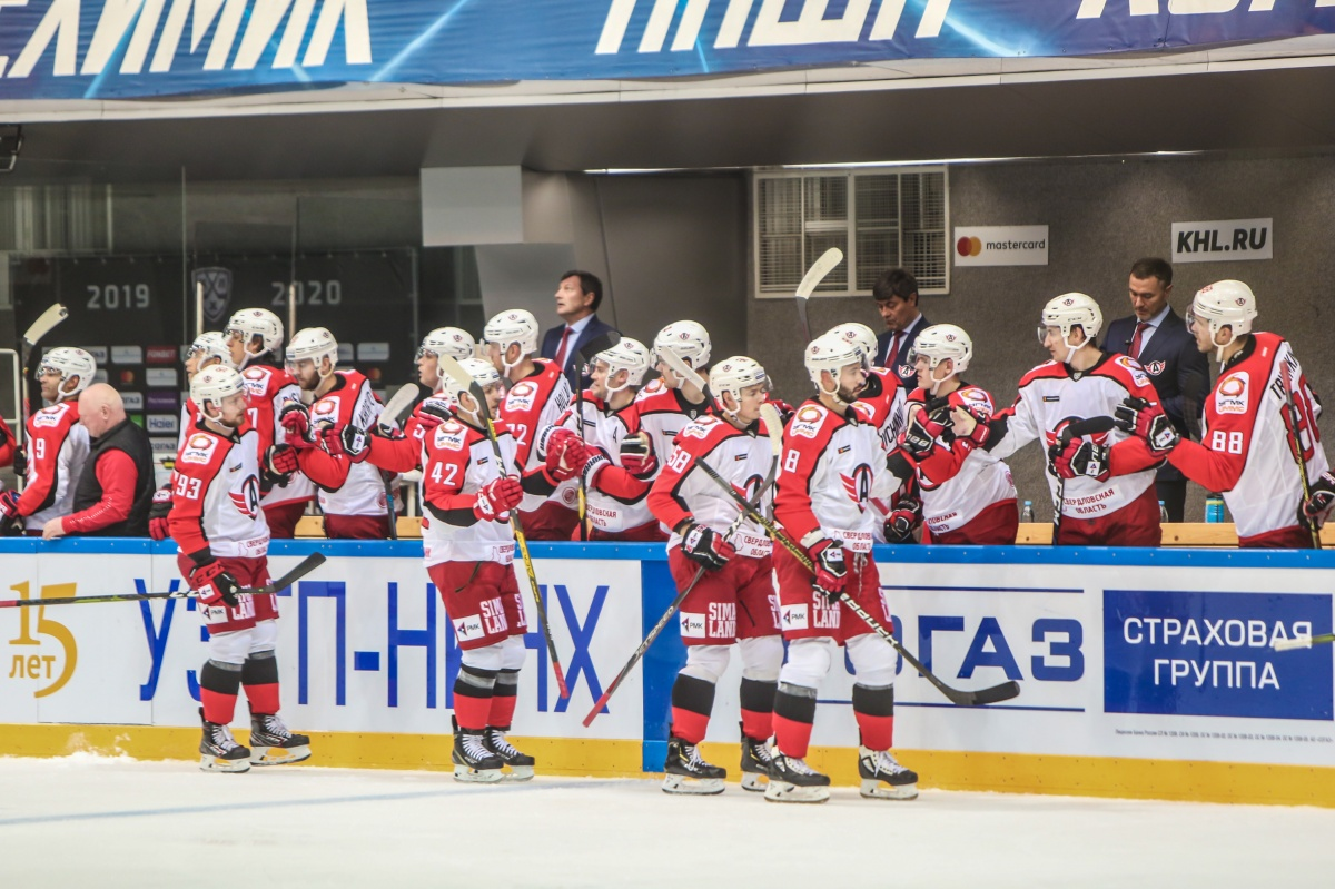 «Автомобилист» одерживает шестую победу в КХЛ