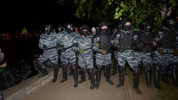 «Врываемся в толпу и хватаем самых агрессивных, а не кого попало»: силовик — о работе на протестах