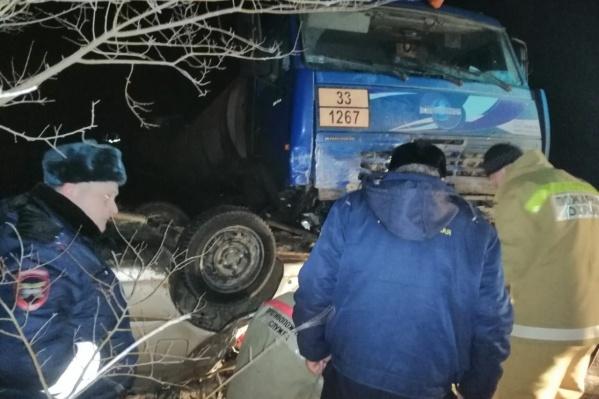 Авария произошла на пустой трассе под Старой Полтавкой