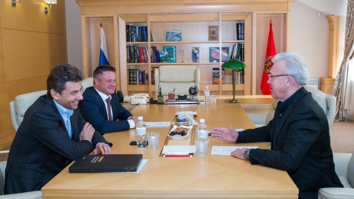 Губернатор Усс поднимает зарплату своим представителям в Москве. Они зарабатывают до 60 миллионов