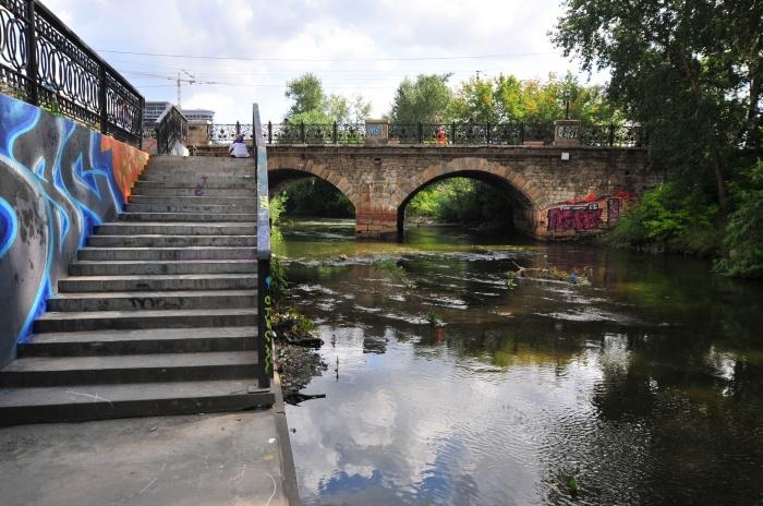 Большинство мостов через Исеть были построены в XX веке