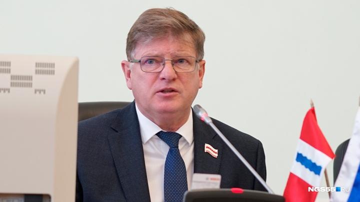 Омский горсовет повысил оклад спикера Корбута на 200 тысяч рублей в месяц