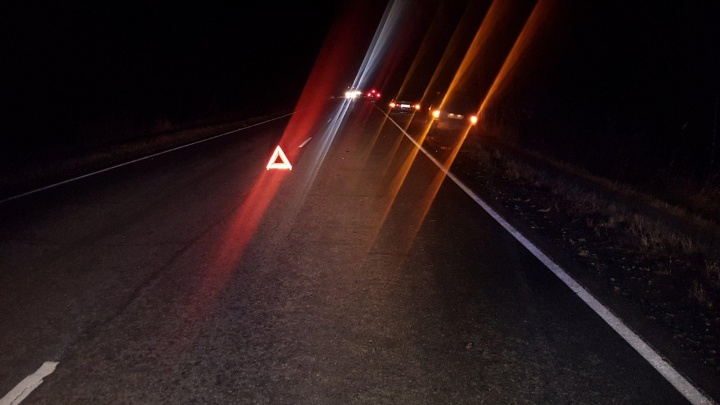 От удара отлетел в другую машину: на трассе Ялуторовск — Ярково насмерть сбили пешехода