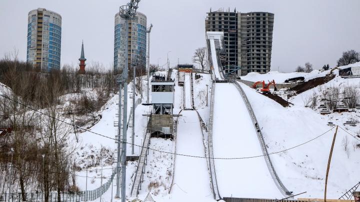 Смотрите — он настоящий: в Нижнем Новгороде наконец-то заканчивают строительство лыжного трамплина