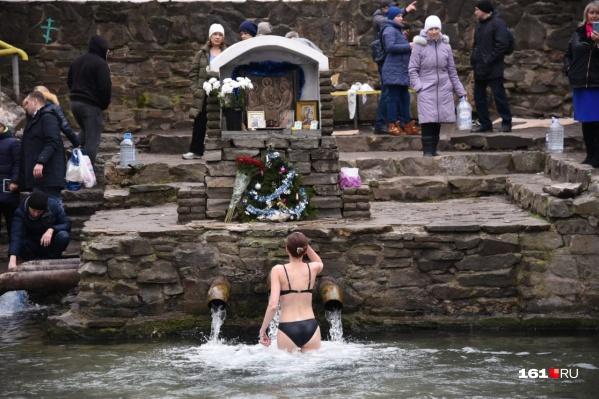 По региону для Крещения было подготовлено 140 прорубей и источников