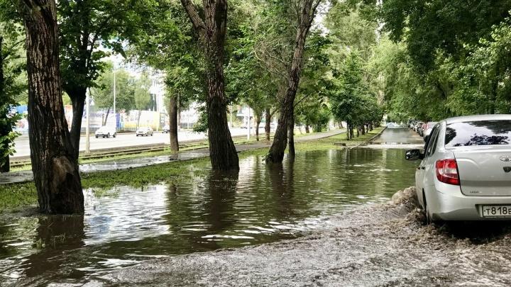 «Земля стекала в Волгу»: как Самара пережила сильный ливень
