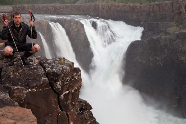 Андрей Подкорытов путешествует по России, заглядывая в самые недоступные, но самые красивые места нашей страны