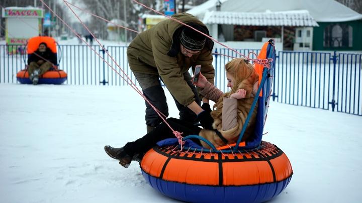 В парке 30-летия ВЛКСМ испытали новый аттракцион «Бублик-кросс»