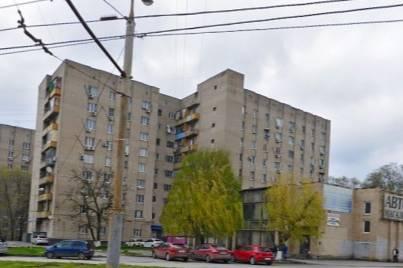 В Первомайском районе Ростова погибла женщина после падения из окна
