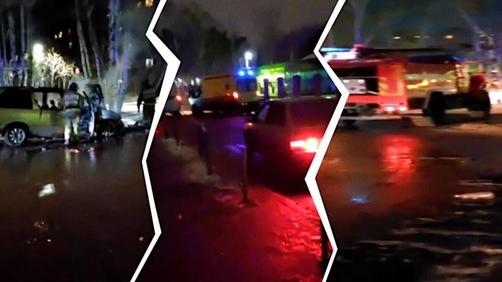 Ночью во дворе на Одесской дотла сгорел Chrysler. Пламя повредило рядом припаркованную машину