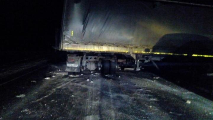 Смертельная ошибка: ростовский дальнобойщик устроил аварию и погиб под Новосибирском