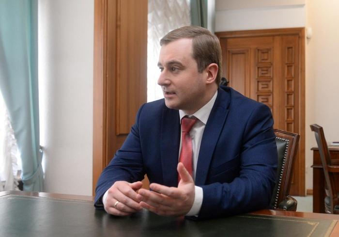 Дмитрий Репин приехал в Екатеринбург из Питера