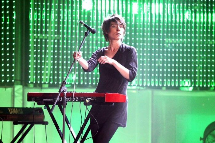 Земфира ворвалась на сцену в 1999 году и до сих пор остаётся одним из самых популярных музыкантов страны