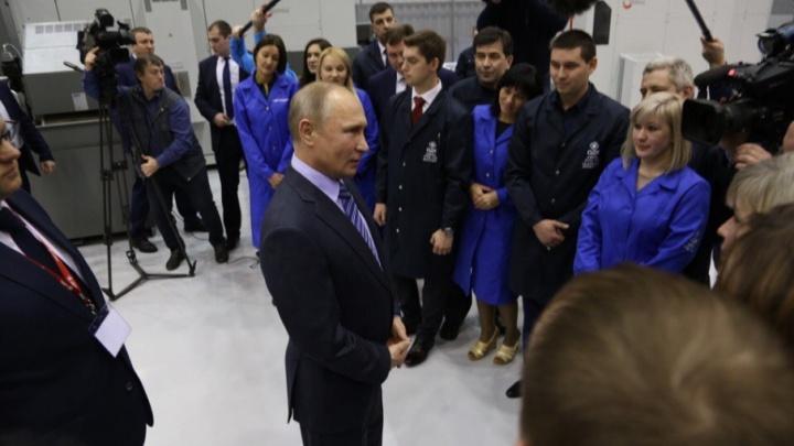 Владимир Путин — работнику уфимского завода: «Давайте я вас просто расцелую»