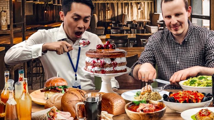 Пряные русские колбаски и чабрец: два иностранца, которые работают в школе, записали подкаст о еде