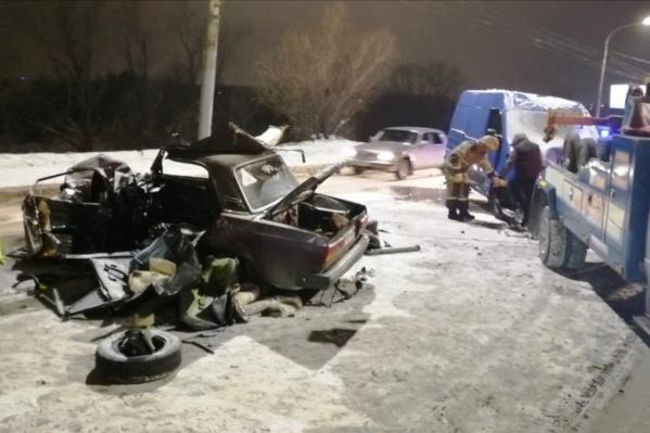 Водитель ВАЗа умер в карете скорой помощи
