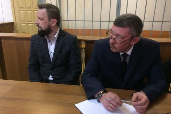 Гартмана (слева) судили в Первоуральске, где он работал