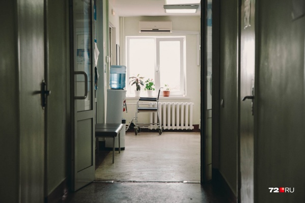 За первый квартал в Тюменской области зафиксировано 386 новых случаев ВИЧ-инфекции. Такой диагноз услышали 167 женщин и 219 мужчин. От инфицированных матерей родились 87 детей, никто из них, предположительно, не заразился