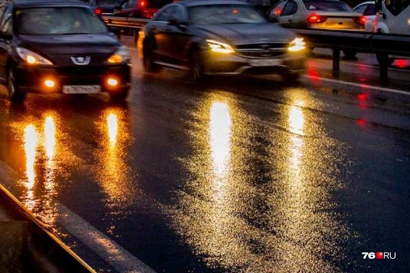 В Ярославле под колесами автомобиля погибла девушка