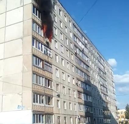 Черный дым на всю округу: в уфимском Сипайлово полыхает пожар