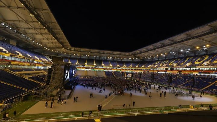 Представитель Басты: концерт не нанес вред газону
