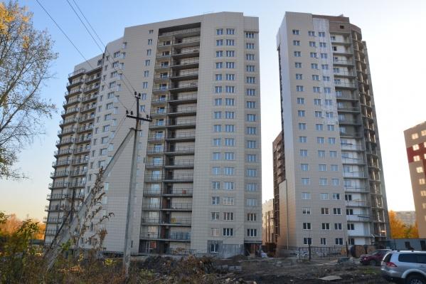 Сейчас в жилом комплексе ведутся работы по благоустройству