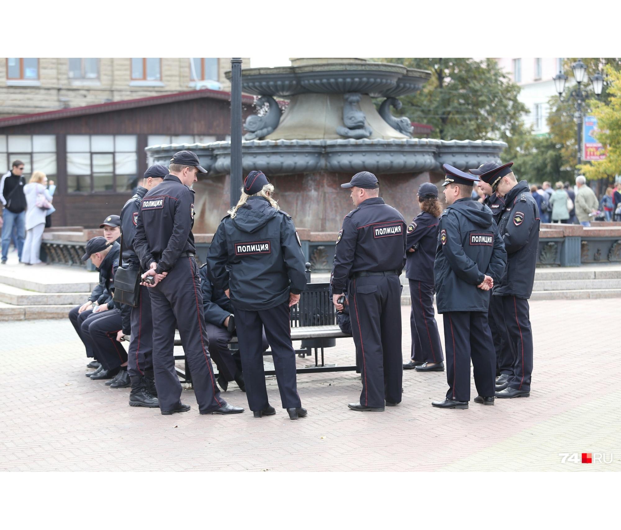 На Кировке работают десятки полицейских
