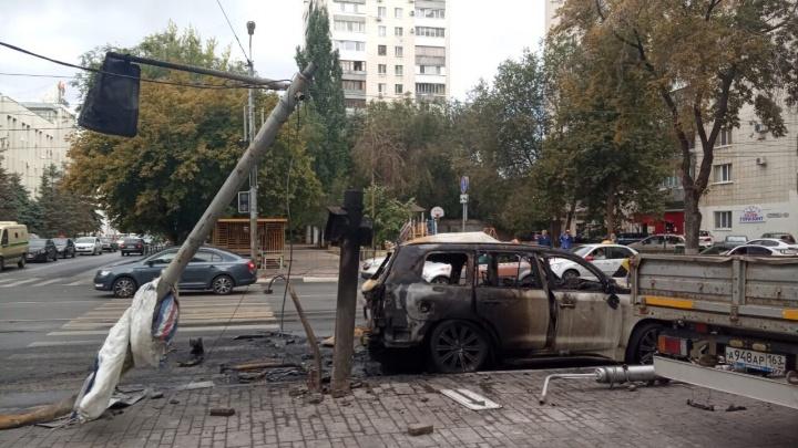 В МВД назвали причину ДТП со сгоревшим «Лексусом» на Галактионовской