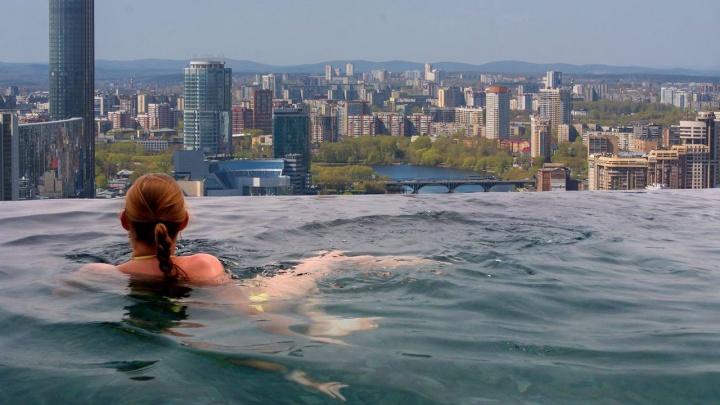 Будет как в Сингапуре: на крыше «Высоцкого» построят бассейн без краёв и бани с панорамными окнами